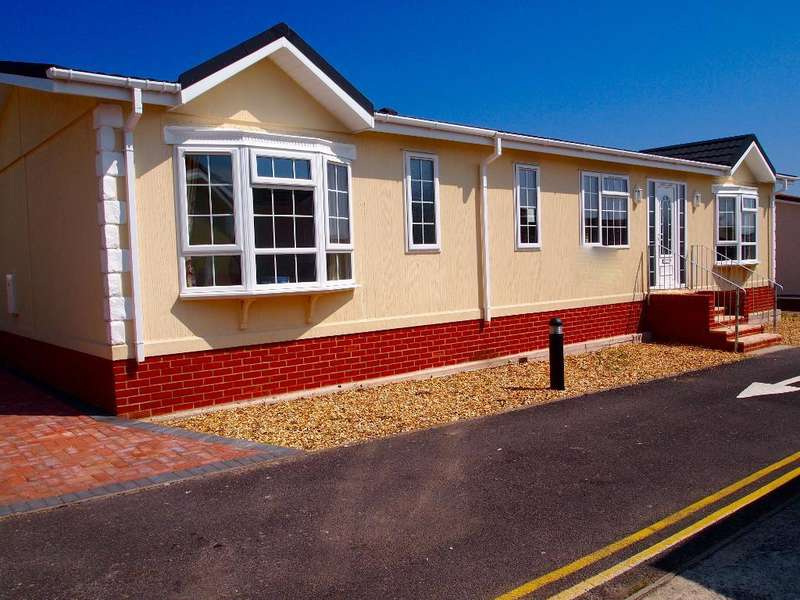 2 Bedrooms Park Home Mobile Home for sale in CVP1043, Charlestown, Weymouth, Dorset, DT3 4AB