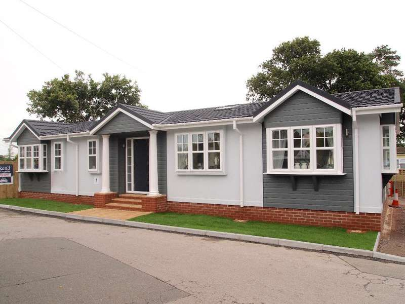 2 Bedrooms Park Home Mobile Home for sale in LO1028, Stoborough, Wareham, Dorset, BH20 5AZ