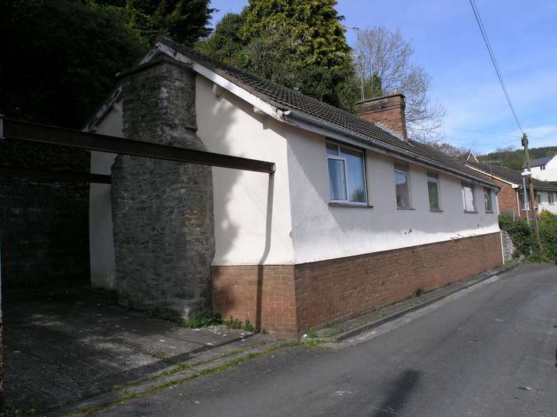 3 Bedrooms Bungalow for sale in George Road, Knighton, LD7