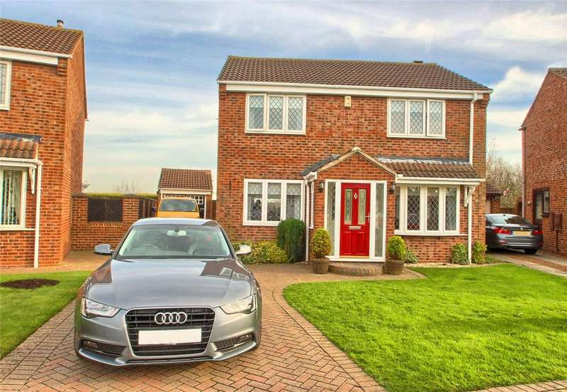 4 Bedrooms Detached House for sale in Castle Close, Fairfield