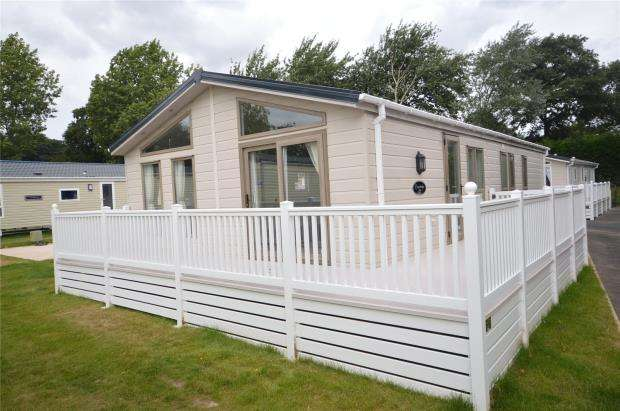 3 Bedrooms Detached Bungalow for sale in Golden Sands Holiday Park, Warren Road, Dawlish Warren, Devon