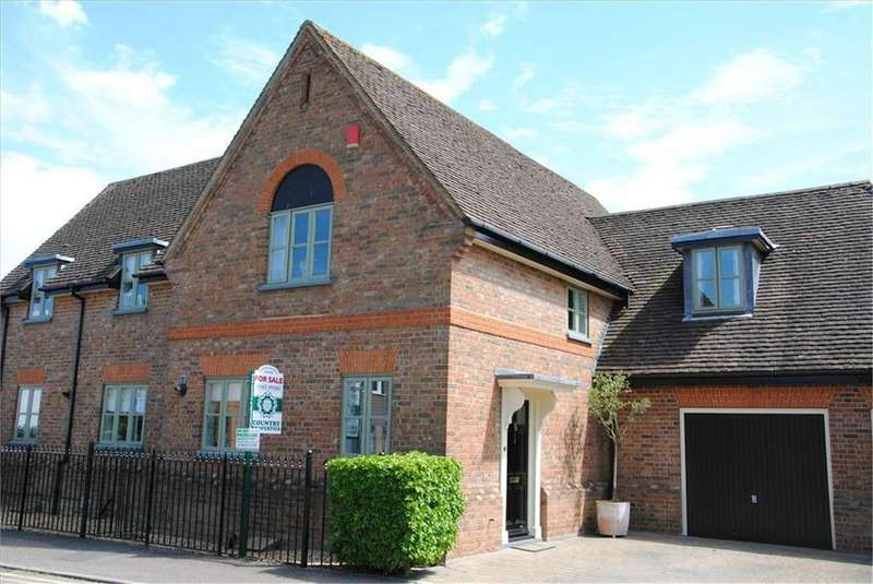3 Bedrooms Semi Detached House for sale in Orchard Road, Baldock, SG7
