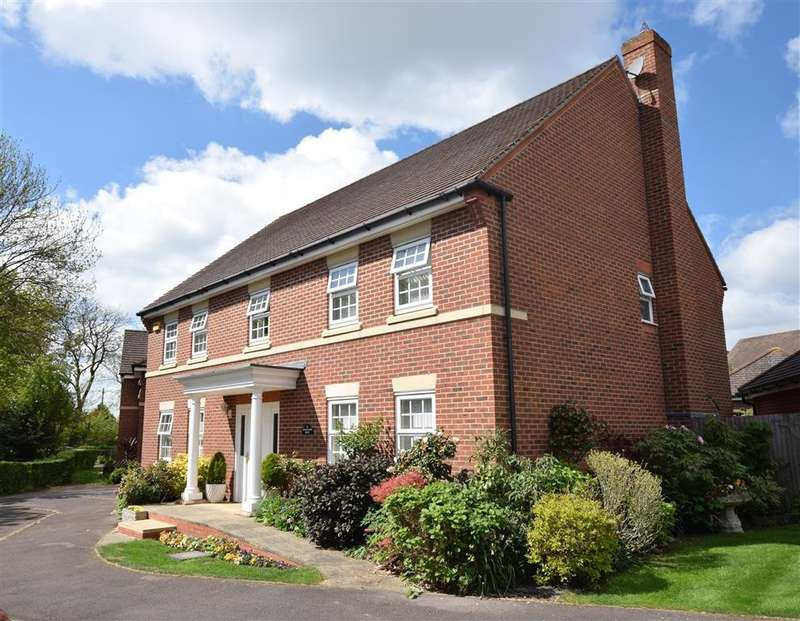 5 Bedrooms Detached House for sale in Carnation Close, Shinfield, Reading, RG2
