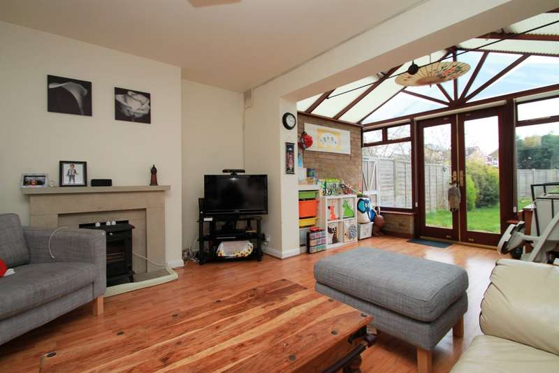 2 Bedrooms Ground Maisonette Flat for sale in Douglas Road, Surbiton