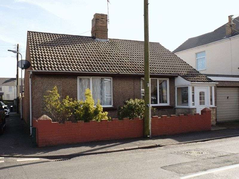 2 Bedrooms Bungalow for sale in Togston Road, North Broomhill - Two Bedroom Bungalow