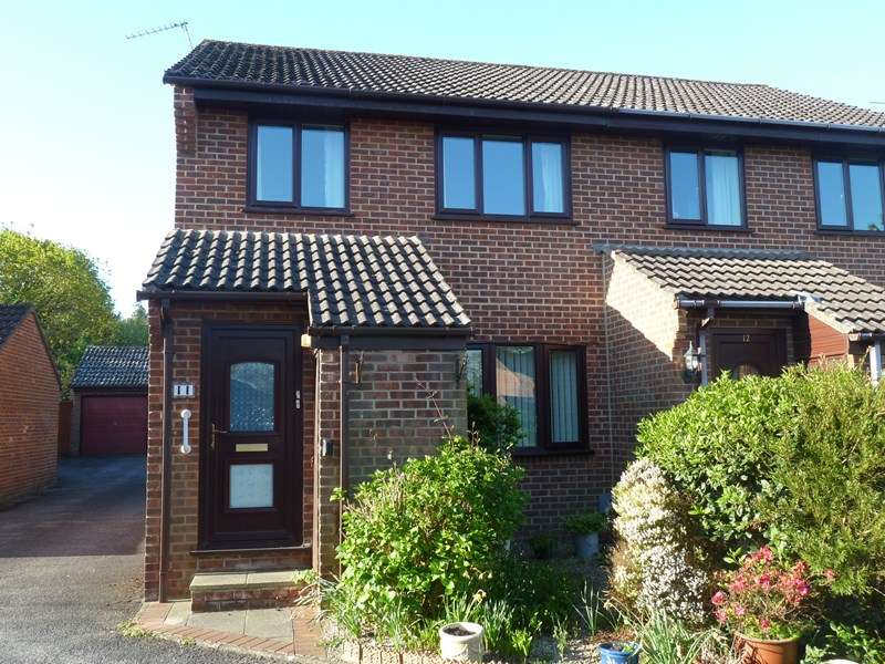 3 Bedrooms Semi Detached House for sale in Fryer Close, Kinson, Bournemouth