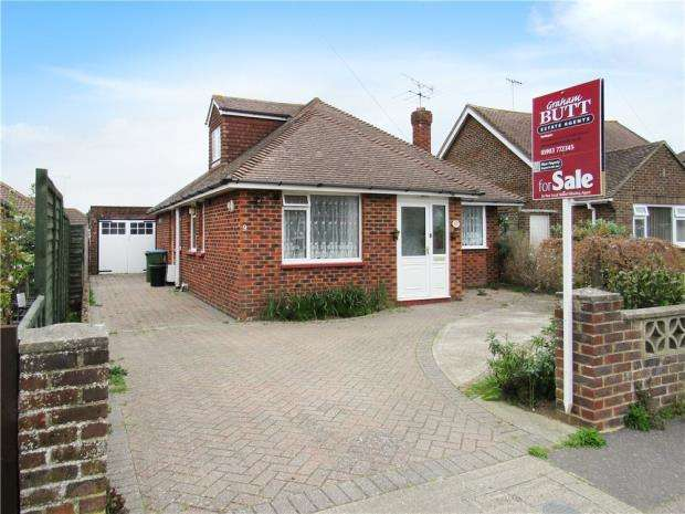 3 Bedrooms Detached Bungalow for sale in Windmill Drive, Rustington, West Sussex, BN16