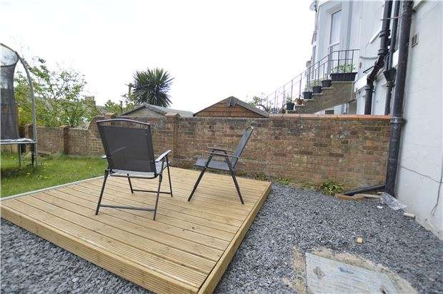 2 Bedrooms Flat for sale in London Road, St Leonards, TN37 6AU