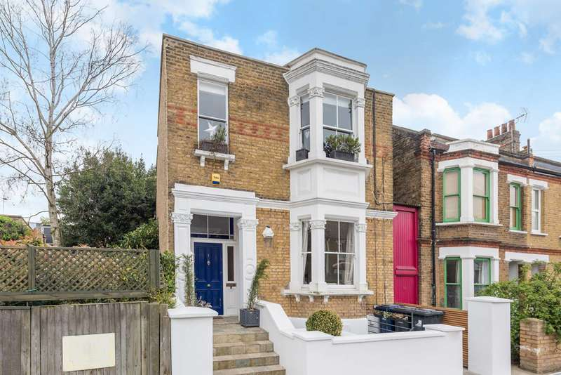 3 Bedrooms Maisonette Flat for sale in Montgomery Road, Acton Green, W4