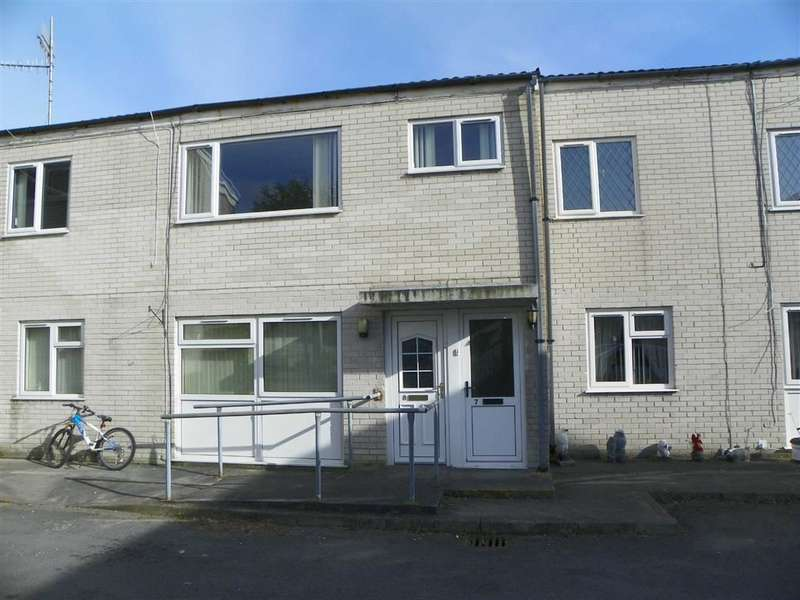 2 Bedrooms Flat for sale in Stradey Court, Furnace, Llanelli