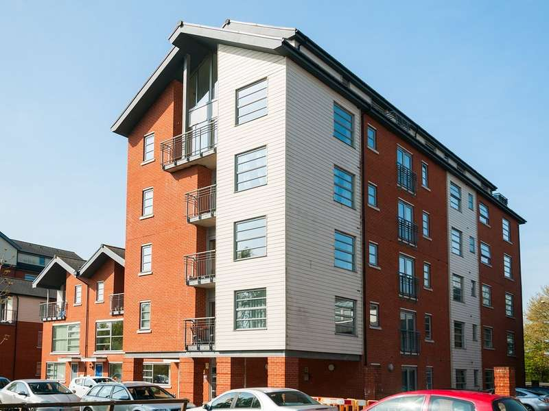 2 Bedrooms Apartment Flat for sale in Rotary Way, North Station