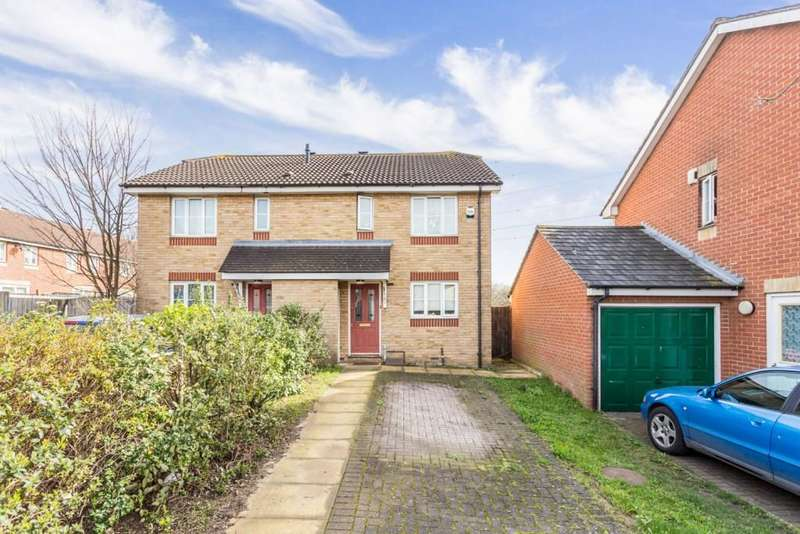 3 Bedrooms Semi Detached House for sale in Searles Drive, Beckton, London