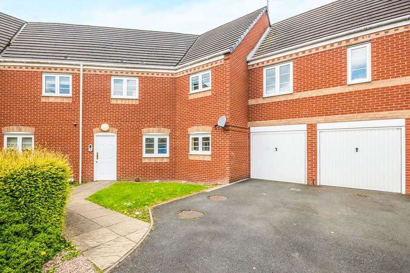 2 Bedrooms Flat for sale in Smallshire Close, Wednesfield, Wolverhampton, WV11