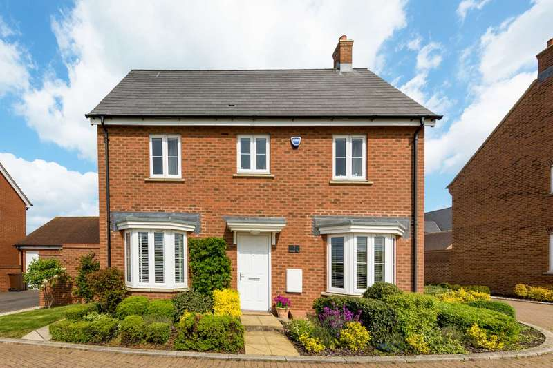 4 Bedrooms Detached House for sale in Lancaster Way, Pitstone