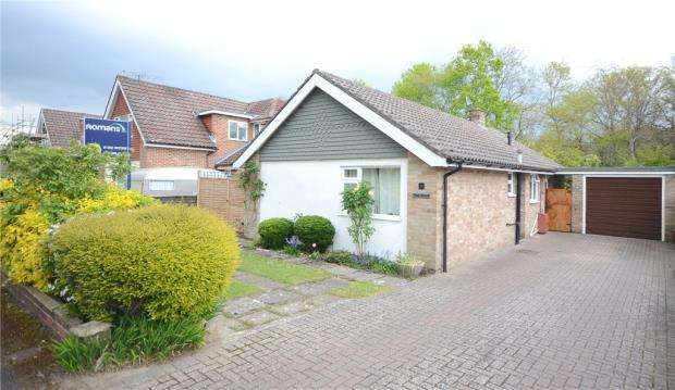 3 Bedrooms Detached Bungalow for sale in Osborne Drive, Fleet, Hampshire