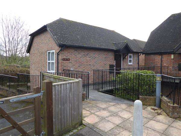 2 Bedrooms Retirement Property for sale in Southcote Lodge, Burghfield Road, Reading