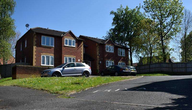 1 Bedroom Flat for sale in Barn Owl Place, Kidderminster, Worcestershire. DY10 4UN