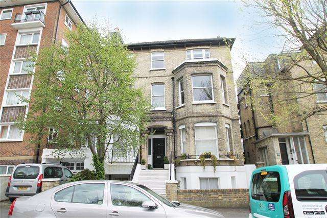 2 Bedrooms Flat for sale in Wilbury Road, Hove