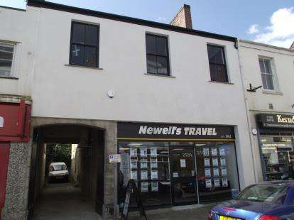 4 Bedrooms Maisonette Flat for sale in Bodmin, Cornwall