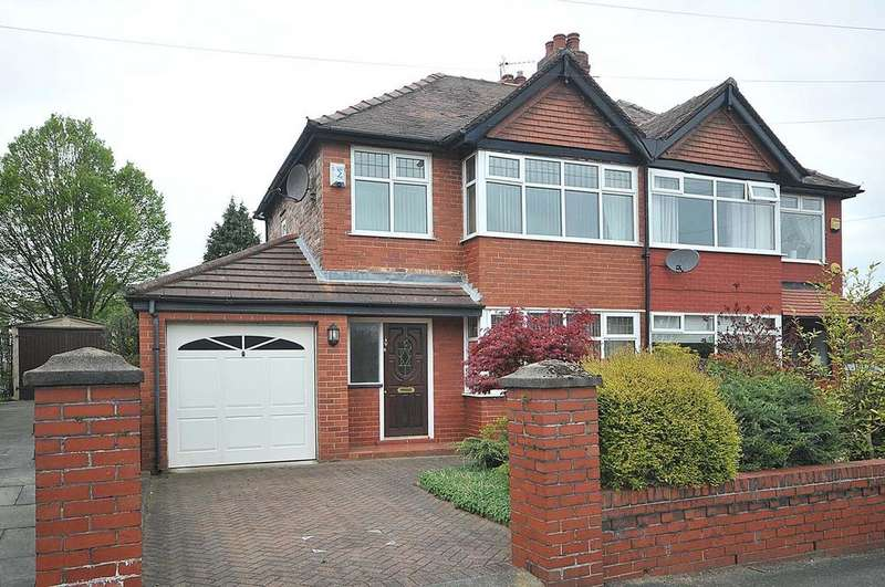 3 Bedrooms Semi Detached House for sale in St Annes Avenue, Grappenhall