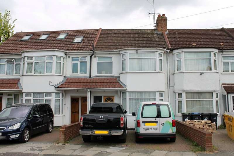 3 Bedrooms Terraced House for sale in Hazel Close, Palmers Green , London