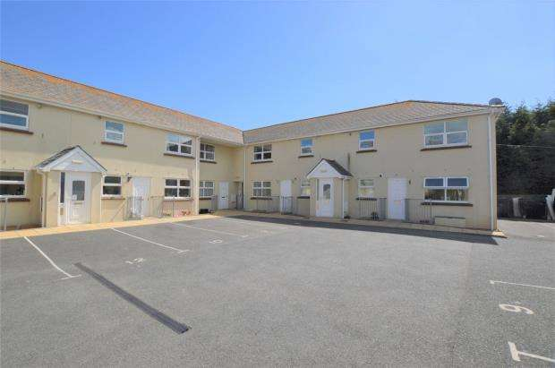 2 Bedrooms Flat for sale in Albion Court, Castor Road, Brixham, Torbay