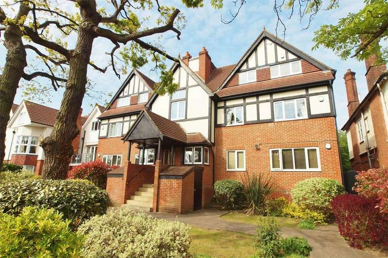 2 Bedrooms Flat for sale in Goldcrest Court, 72 Scotts Lane, Bromley, Kent