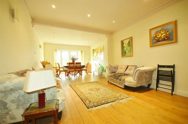 5 Bedrooms Bungalow for sale in Park Chase, Wembley, Middlesex, HA9 8EH