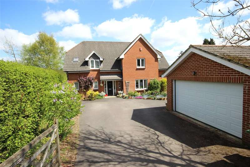5 Bedrooms Detached House for sale in Gloucester Close, Four Marks, Alton, Hampshire, GU34