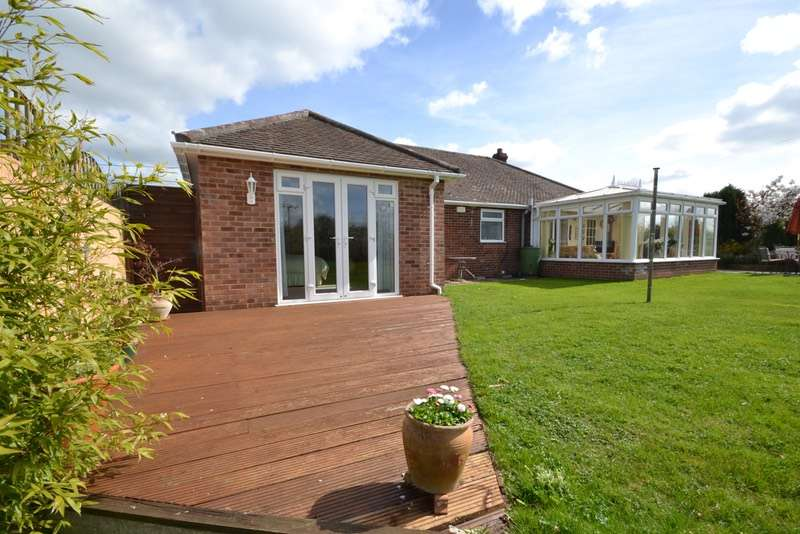 3 Bedrooms Bungalow for sale in Sudbury Road, Sudbury, Suffolk, CO10
