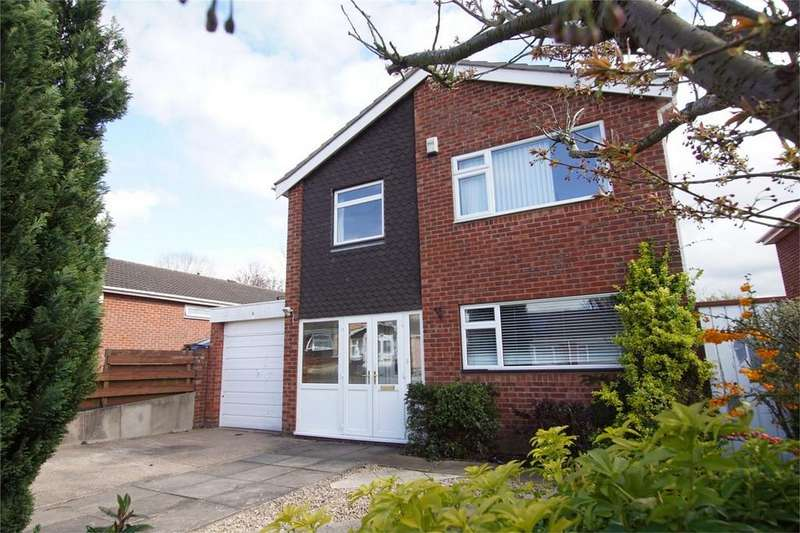4 Bedrooms Detached House for sale in Barnack Drive, Woodloes Park, Warwick