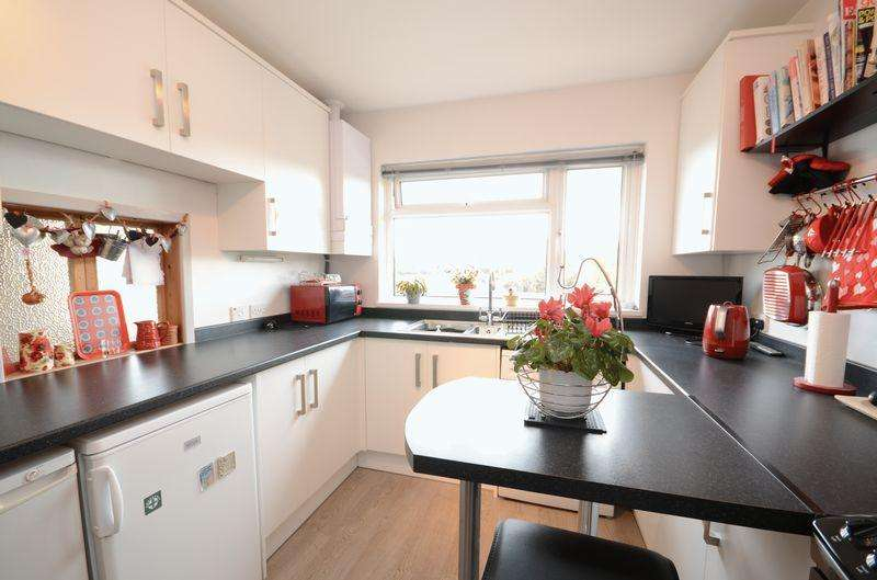 3 Bedrooms Bungalow for sale in Redmoor Close, Tavistock