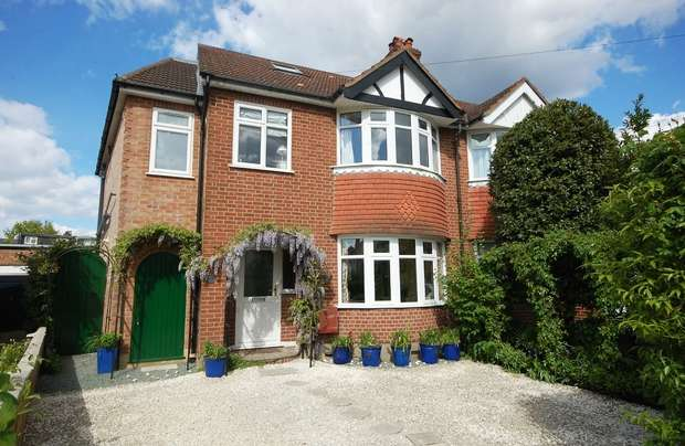 4 Bedrooms Semi Detached House for sale in Lawrence Road, Hampton