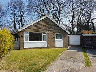 2 Bedrooms Bungalow for sale in Chestnut Close, Whitfield, Dover, Kent