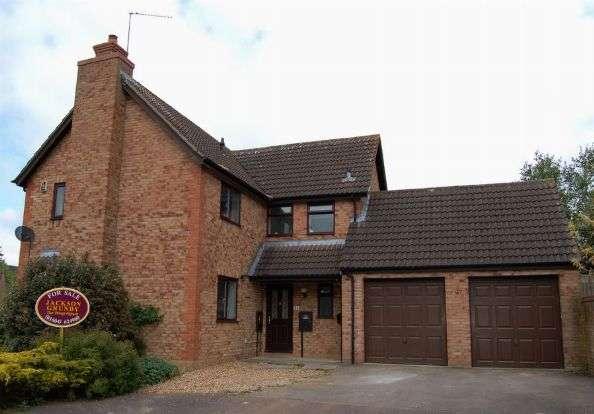 4 Bedrooms Detached House for sale in Sarek Park, West Hunsbury, Northampton NN4 9YA