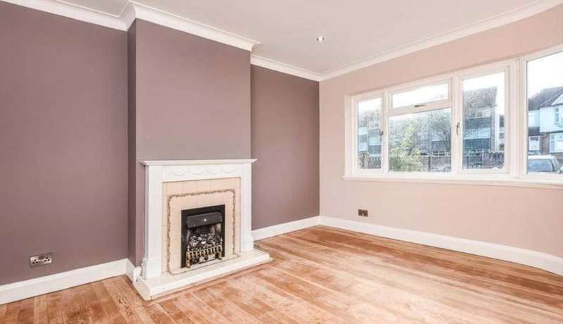 3 Bedrooms Terraced House for sale in Ravensbourne Park, London