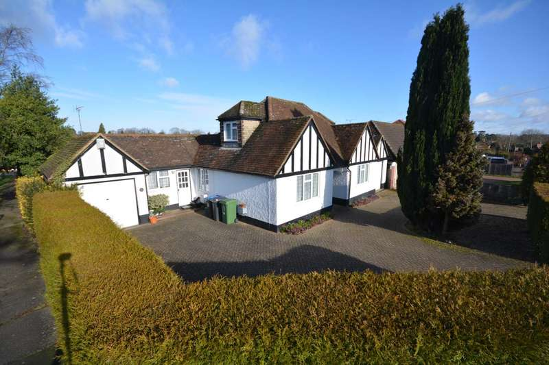 3 Bedrooms Detached House for sale in Green Lane, Bovingdon HP3