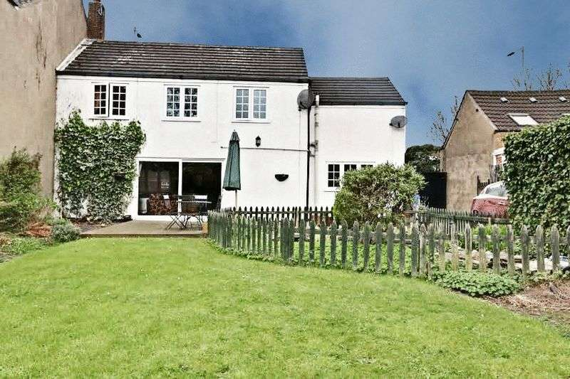 3 Bedrooms Semi Detached House for sale in Church Street, Sutton