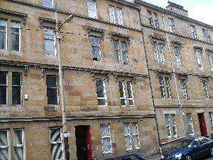 3 Bedrooms Flat for rent in Otago Street, Hillhead, Glasgow