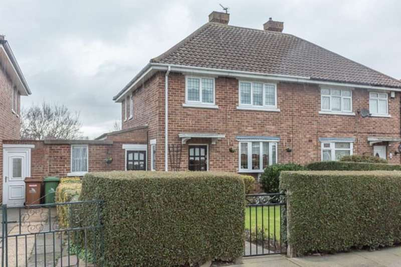 3 Bedrooms Semi Detached House for sale in Sandringham Road, Cleethorpes, Lincolnshire, DN35
