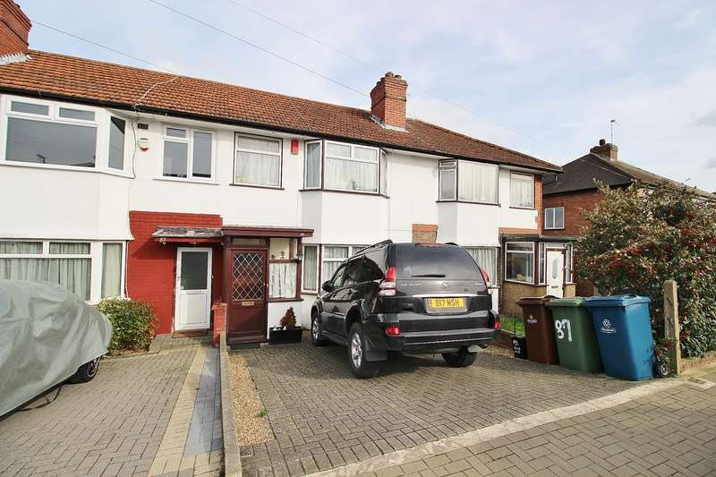 2 Bedrooms Terraced House for sale in Dale Avenue, Edgware, Middlesex, HA8
