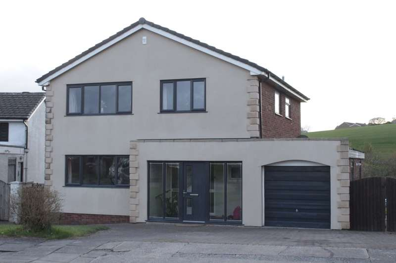 4 Bedrooms Detached House for sale in Warrenside Close, Blackburn, Lancashire, BB1