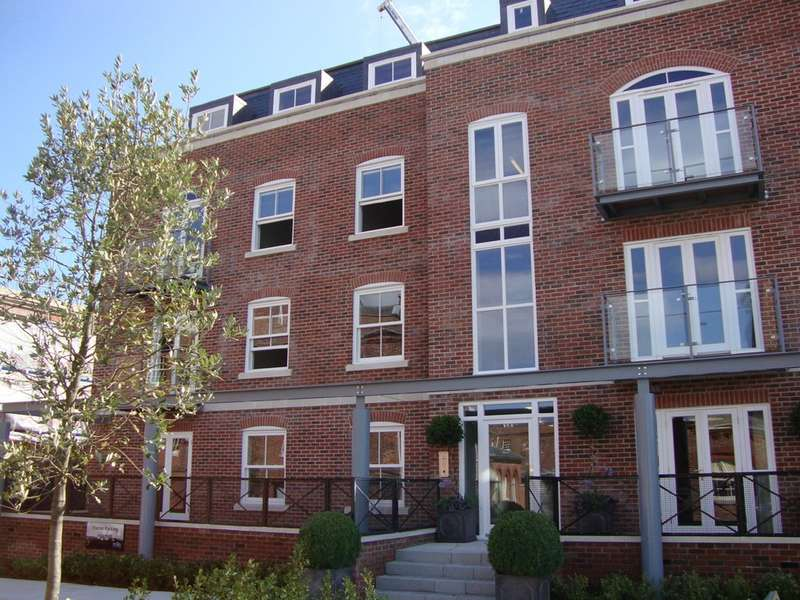 1 Bedroom Apartment Flat for sale in The Salthouse, Royal Clarence Marina, Gosport