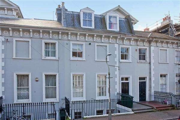 2 Bedrooms Apartment Flat for sale in Park Crescent, Brighton