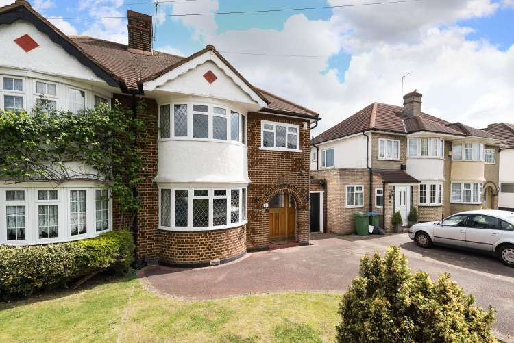 3 Bedrooms Semi Detached House for sale in Scotsdale Road Lee SE12