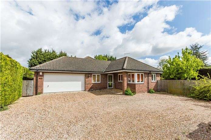 4 Bedrooms Detached Bungalow for sale in Station Road, Willingham, Cambridge