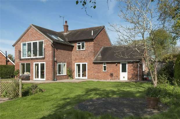 3 Bedrooms Detached House for sale in The Hawthorns, Donkey Lane, Ashford Carbonel, Ludlow, Shropshire