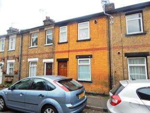 2 Bedrooms Terraced House for sale in Charles Street, Sheerness, Kent