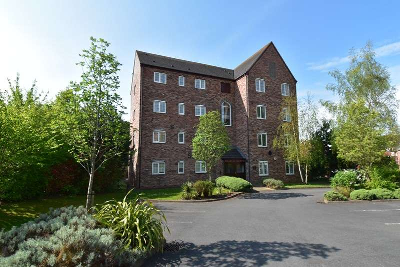 2 Bedrooms Apartment Flat for sale in Honeymans Gardens, Droitwich