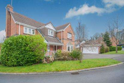 4 Bedrooms Detached House for sale in Acresbrook, Stalybridge, Greater Manchester